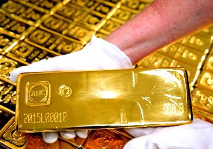 На мировых рынках резко взлетели цены на золото (инфографика)