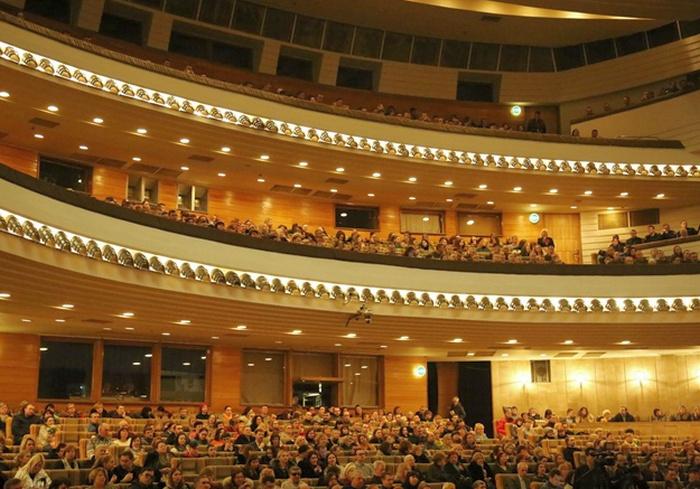 В Харькове отменили оперу и перенесли балет
