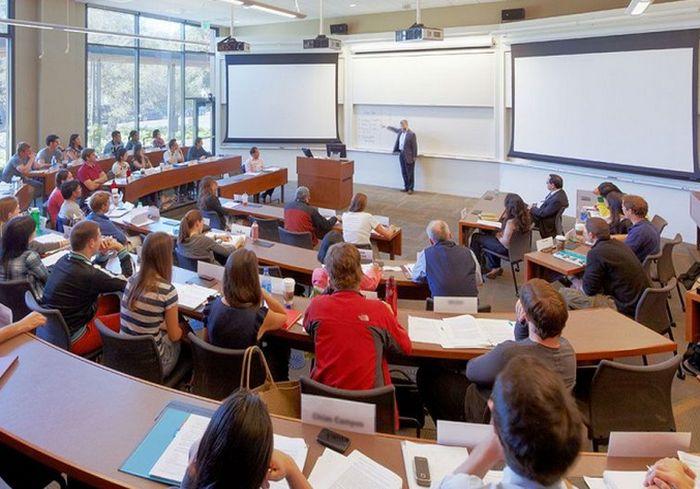 Знаменитый университет США открывает спецпрограмму для украинцев