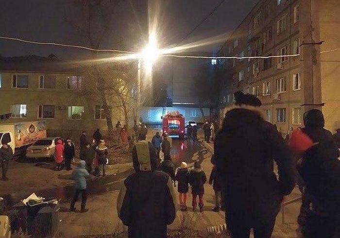 Ночной пожар в Харькове: горел апартмент-хаус на Салтовке (фото)