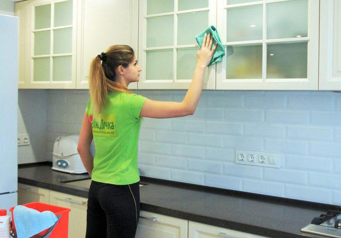 Губки губкам рознь: чем лучше наводить «марафет» на кухне