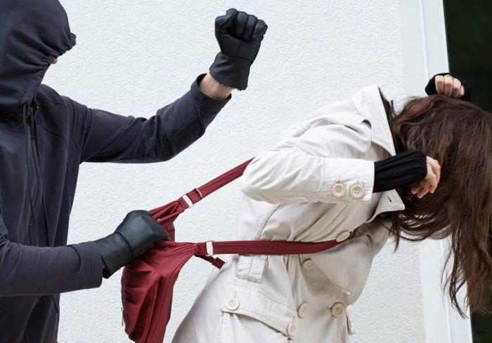 Подростков подозревают в разбойном нападении на женщину под Харьковом