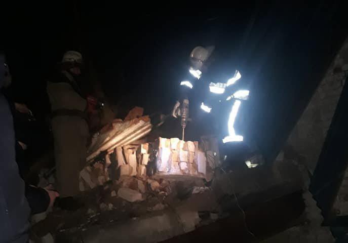 На Харьковщине обрушилось здание: человека раздавило насмерть
