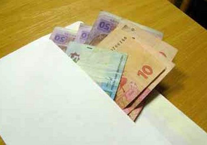 Харьковчане не против получать зарплату в конверте – опрос