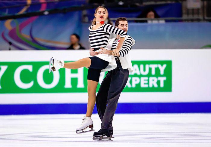 Харьковские фигуристы вошли в «десятку» лучших на чемпионате Европы (фото)