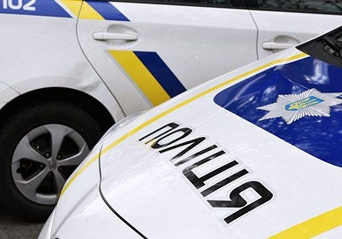 Стрельба под Харьковом: полиция открыла огонь по легковушке с людьми (видео)
