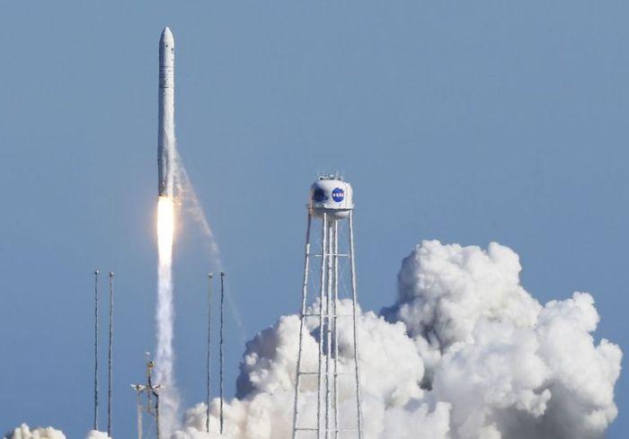 Харьковские ракетчики в США запустили в космос РН «Антарес» (видео)