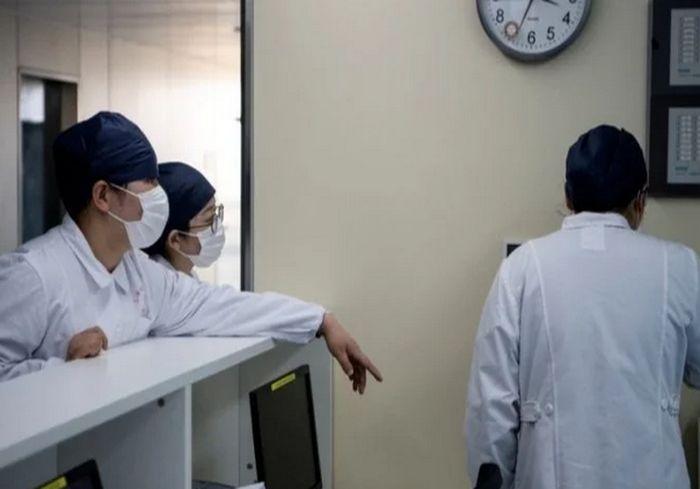 «Без паники»: Минздрав отказался эвакуировать из Китая украинцев с симптомами коронавируса