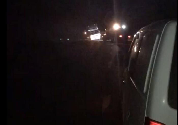 Ночное ДТП на трассе под Харьковом: не все попали к месту назначения вовремя (видео)