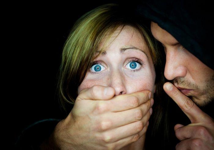 Под Харьковом полиция расследует дело дерзких грабителей-насильников
