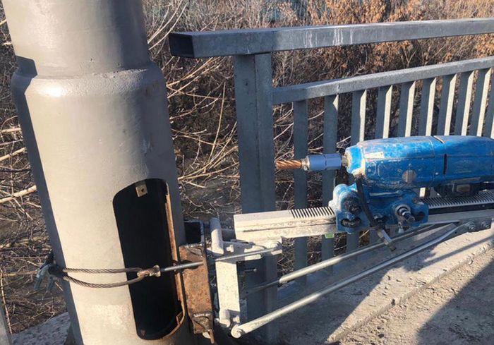 В Харькове ремонтники пытались нажиться на ремонте моста (фото)
