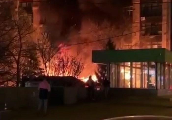 На Научной ночью сгорело кафе 4 Season (видео)