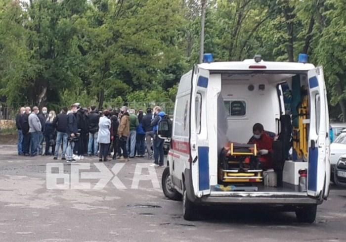 В Харькове медики скорой помощи вышли на акцию протеста (видео)