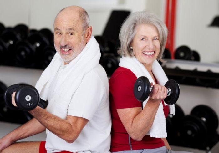 Почему пожилым людям необходимо «тягать железо»