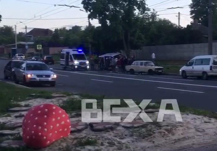 В Харькове ДТП: водителю стало плохо (видео)