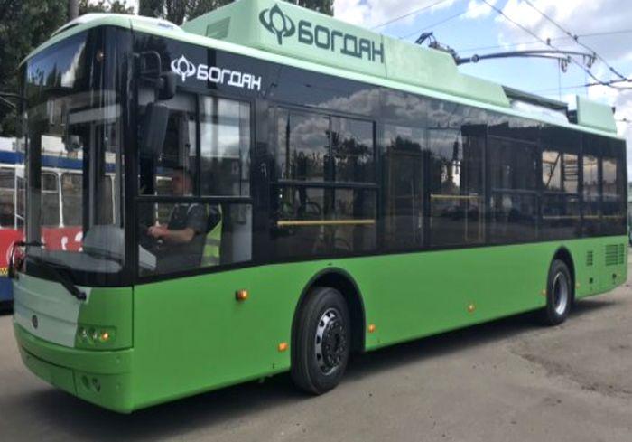 «Богдан Моторс» завершил поставку в Харьков крупной партии троллейбусов