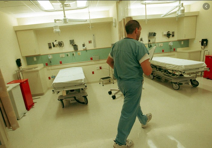 «Про то, что такая работа недопустима, мы говорили уже давно», – в областной инфекционной больнице критическая ситуация