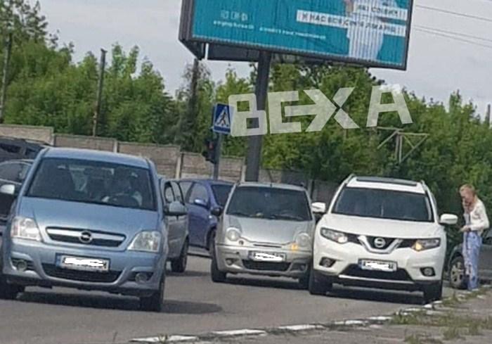 ДТП на спуске Жилярди спровоцировало пробку (фото)