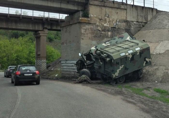 В Харьковской области ДТП с участием военных