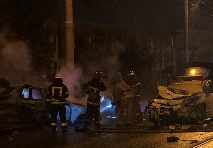 ДТП с погибшими в Харькове: люди сгорели в автомобиле
