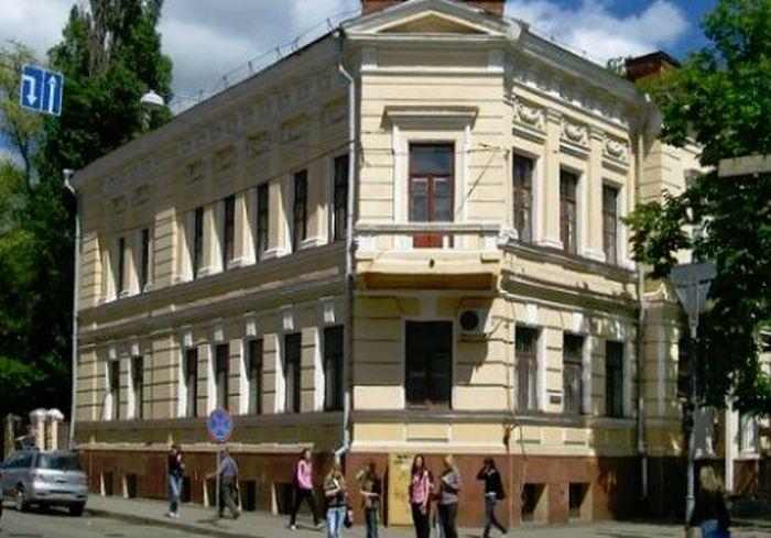 Харьковский художественный музей начал принимать посетителей
