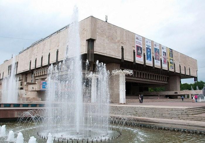 Харьковская опера отказывается от шароварщины