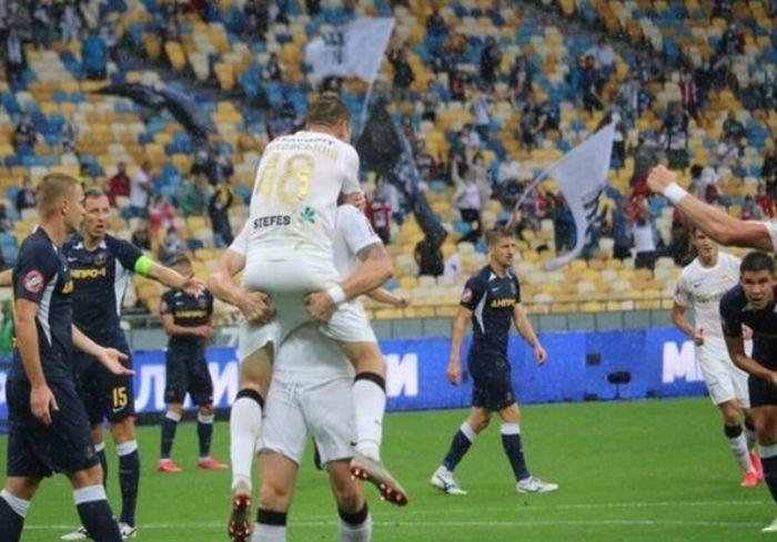 Впервые с марта в Украине прошел футбольный матч со зрителями