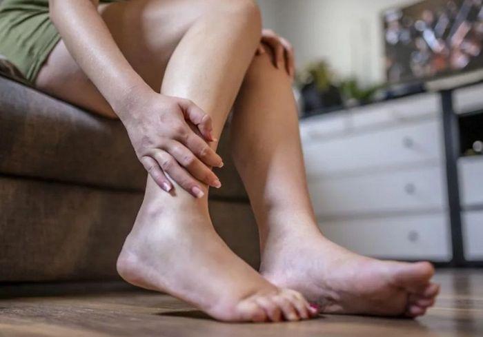 О каких болезнях могут свидетельствовать отеки в разных частях тела