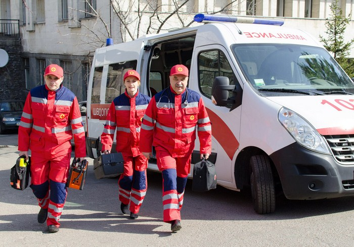 В Харькове медики спасли жизнь 17-летней девушки
