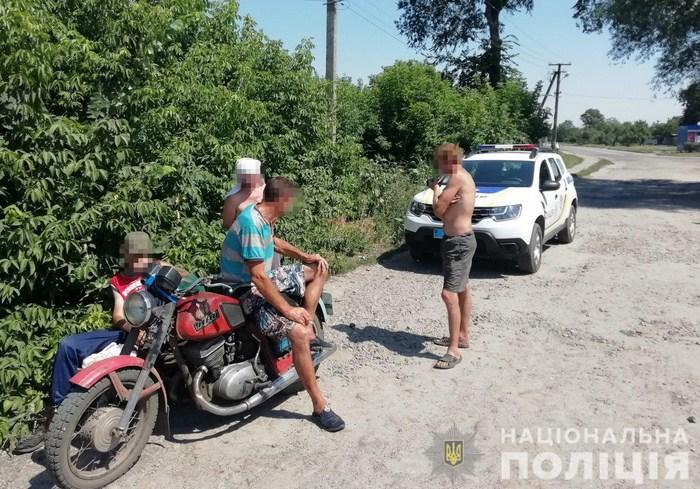 В центре Чугуева полицейские выявили пьяного мотоциклиста