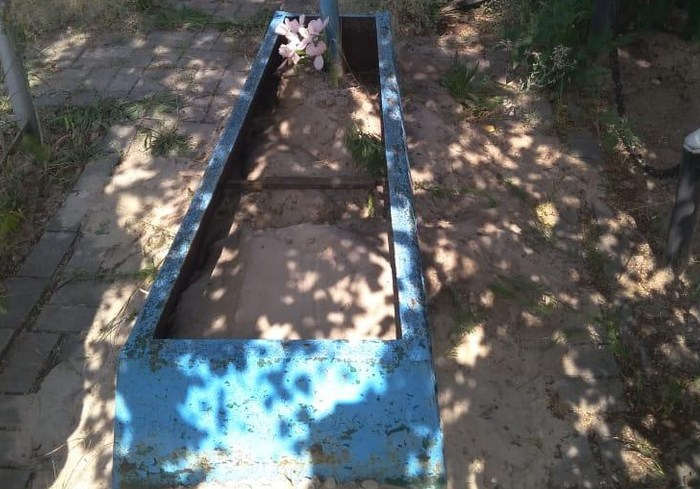 В Харьковской области полицейские нашли мужчину, который ради металлолома надругался над могилой