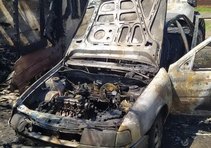 В Харьковской области во дворе частного дома сгорел автомобиль