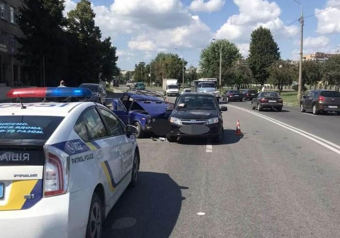 В Харькове произошла авария с пострадавшими