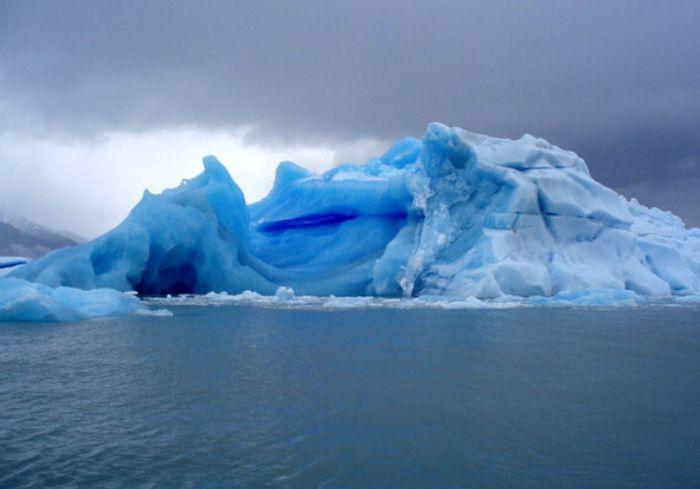 Гренландия рекордными темпами теряет лед