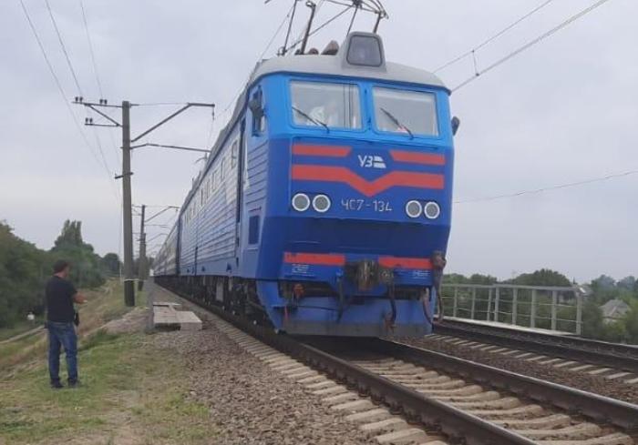 В Харьковской области поезд сбил 78-летнюю пенсионерку
