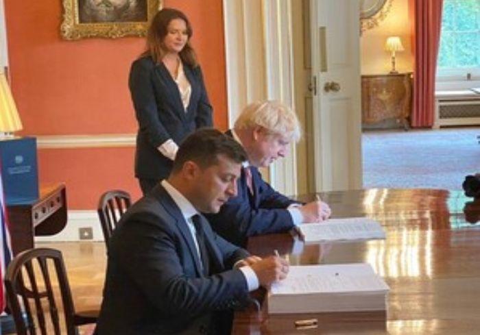 Украина и Великобритания стали стратегическими партнерами