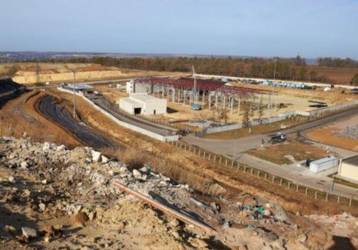 На полигоне ТБО под Харьковом строят сортировочную линию