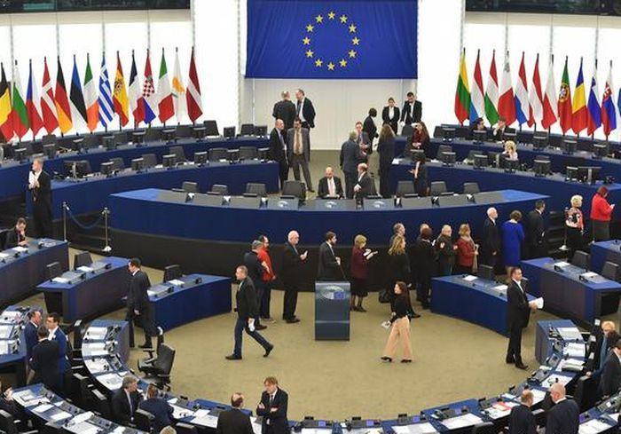 В Европарламенте прямо сказали Украине по поводу судов и олигархов