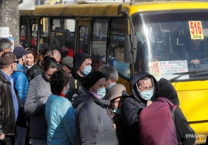 В Минздраве выступили против отмены усиленных ограничений