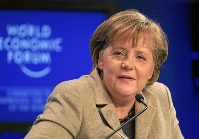Меркель предупредила, что прививку от ковида придется делать каждый год