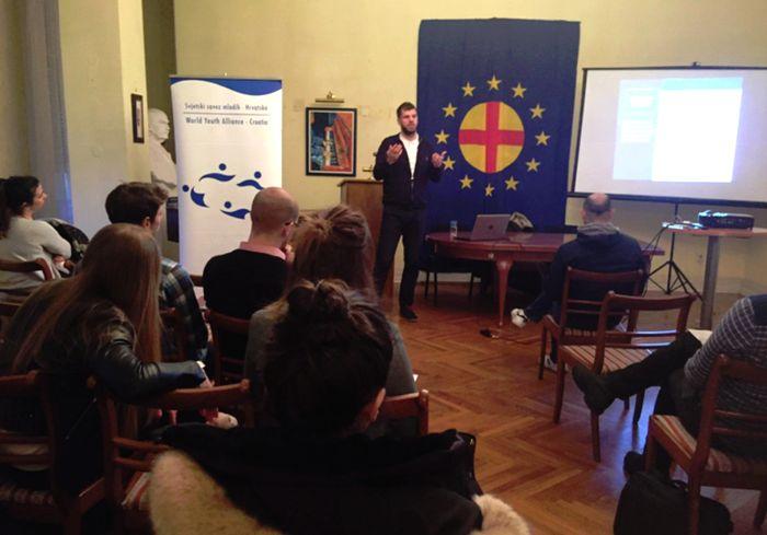 Молодіжна навчальна програма Advocacy Youth Academy оголошує набір
