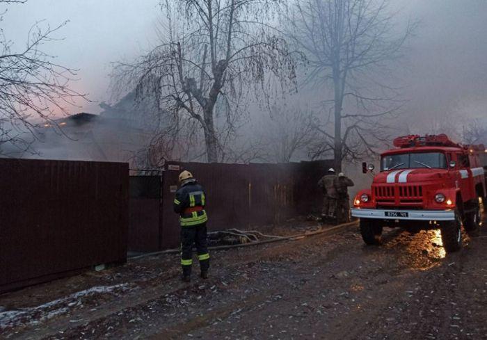 Под Харьковом сгорел частный дом