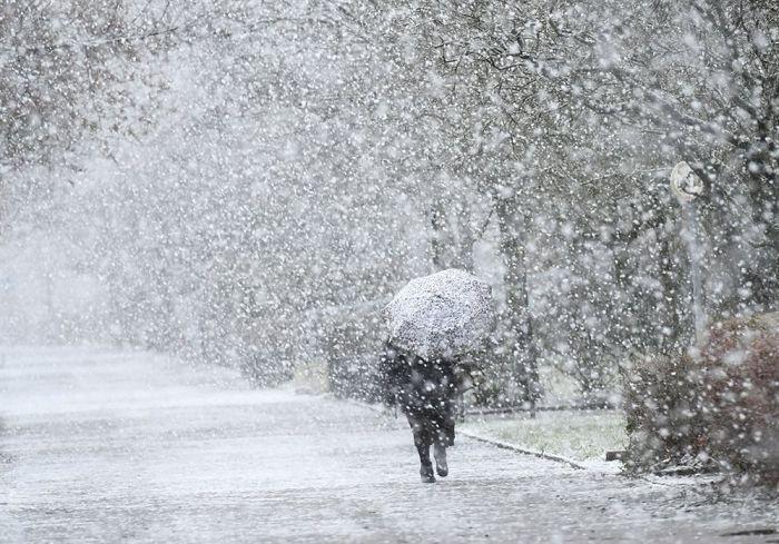 Дорожники предупреждают об ухудшении погодных условий и просят водителей быть осторожными