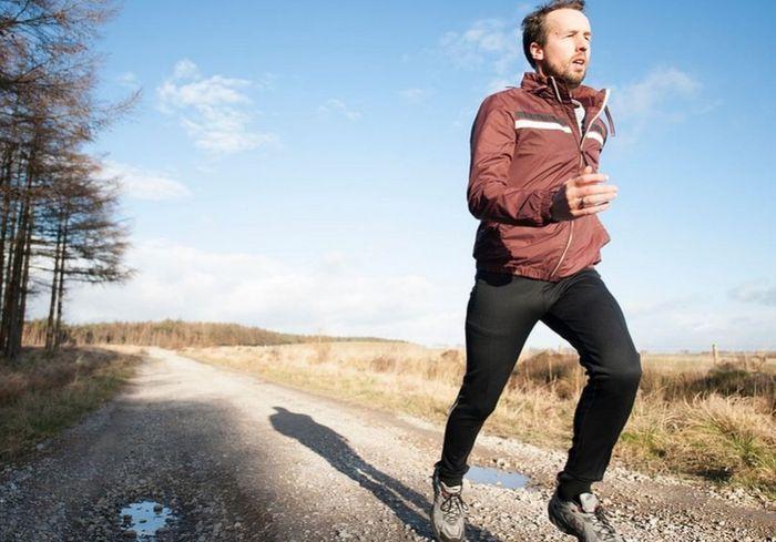 Медики рассказали, почему ходьба или бег этой весной становятся опасными