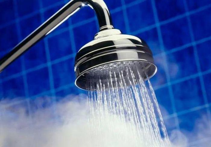 Врачи рассказали, почему не стоит ежедневно принимать душ