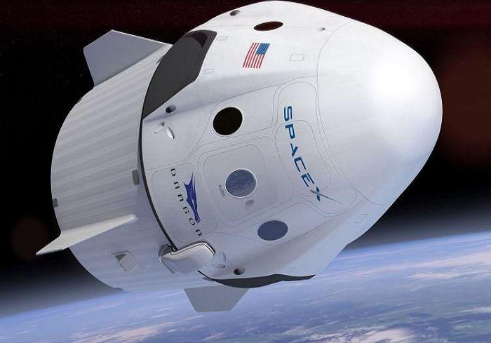 SpaceX отправила кМКС грузовой корабль Dragon