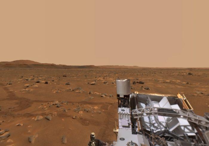 Марсоход Perseverance передал на Землю новую панораму Марса со звуками пустыни (видео)
