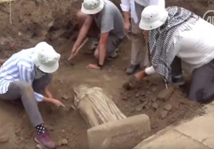 В Турции археологи нашли «сестру» Венеры Милосской (видео)