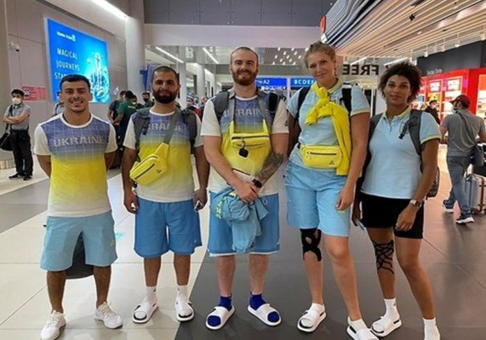 В Японию отправилась первая большая группа украинских олимпийцев
