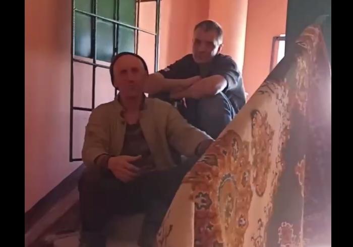 В Харькове пьяные сотрудники теплосетей устроили скандал с жительницей дома